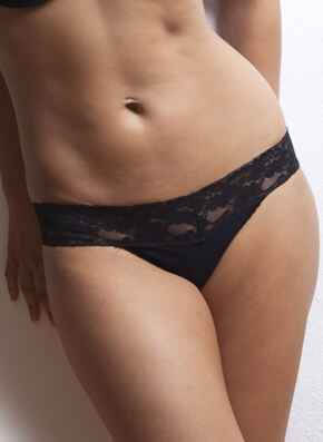 After Eden thong with lace trim - black